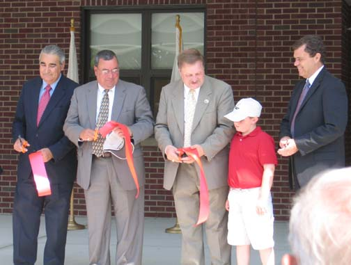 July 2005 New Bedford Sea Lab ribbon cutting ceremony